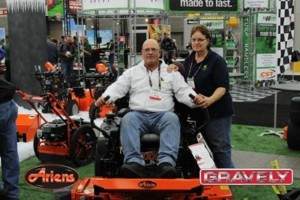 ariens-and-gravely-at-trade-show-compressor